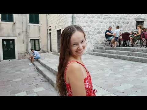 Как сушить белье, или выступление молодой скрипачки в Черногории