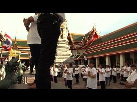 Synchronised yoga world record set in Bangkok