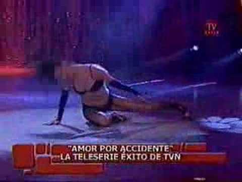Fernanda Urrejola _ Todos Me Miran  Amor por  Accidente