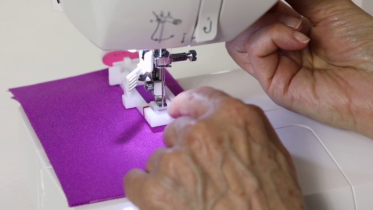 Download SINGER® FASHION MATE™ 5560 How to Make a Buttonhole