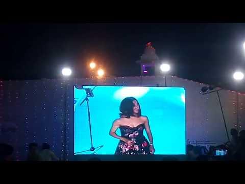 Neeti Mohan Singer Live Song Tu Kheech Khich Meri Photo Fame At Kota Dussehra Mela Cine Sandya
