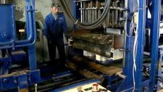 Вибропресс БП-250п в работе, термоблок. тм БУМ(Официальный сайт: http://www.bum-vibropress.com.ua Полуавтоматическая линия БП-250п предназначена для производства двухсл..., 2013-04-23T16:52:19.000Z)