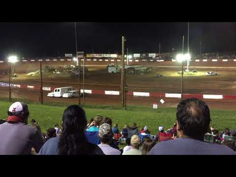 Dixie Speedway Monster Truck Fall Nationals 2017 Qualifying Race 1: Knucklehead vs. Iron Outlaw
