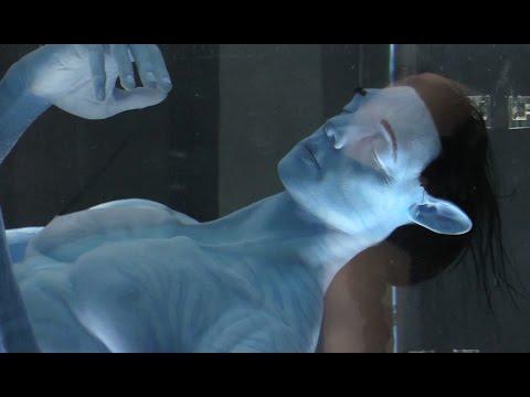 Incredible 'Avatar' animatronic in Flight of Passage ride queue - Pandora at Walt Disney World