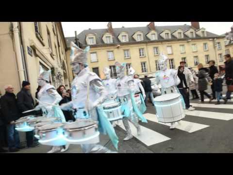 Le groupe Moz Drums sur le marché de Noël de Compiègne