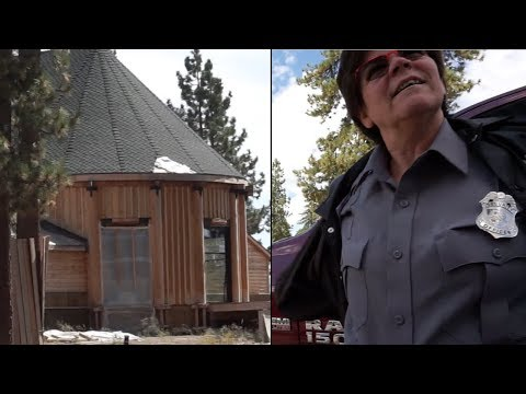 BUSTED by SECURITY - Sneaking into Marilyn Monroe's Cabin!!!