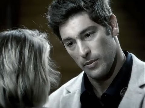 Após briga com Norberto, Isabel relembra momento íntimo que teve com Eduardo: Após brigar com Norberto, Isabel fica triste e relembra momento que Eduardo confessou à ela que a amava.