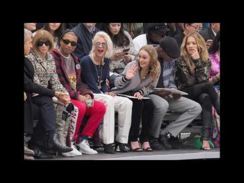 Cara Delevingne Chanel-show-2017-Paris!