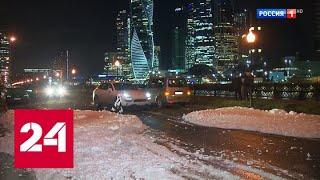 Набережную Тараса Шевченко залило белой пеной - Россия 24