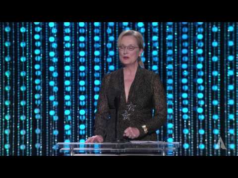 Thumbnail: Meryl Streep and Billie Lourd honor Debbie Reynolds at the 2015 Governors Awards