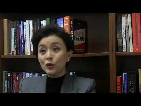 Chinese media personality Yang Lan