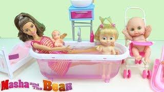 Barbie Bebek Yeni Oyuncak Küvetinde Bebek Yıkıyor Maşa Kıskanıyor Barbie Oyunları