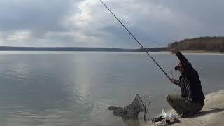 Весенняя ловля плотвы удочкой на водохранилище Артемовская дамба