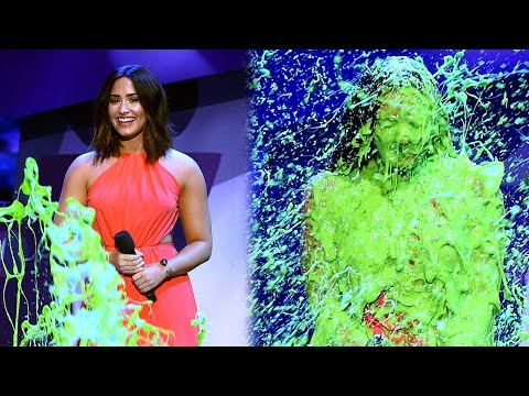 Demi Lovato Gets DRENCHED In Slime At 2017 Kids