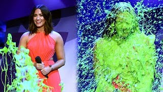 Demi Lovato Gets DRENCHED In Slime At 2017 Kids' Choice Awards