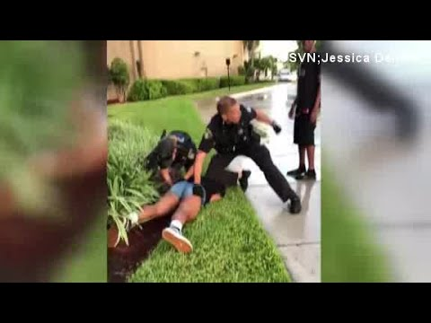 Video shows Florida cop punching 14-year-old girl during arrest