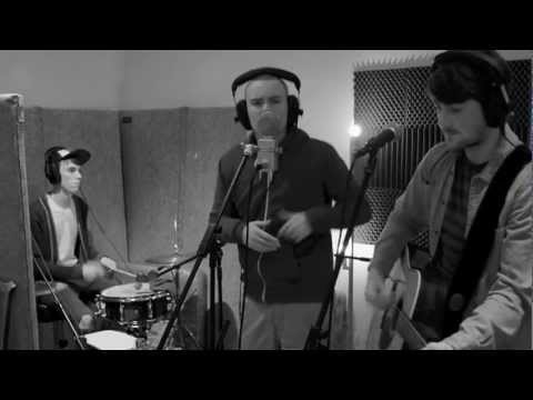 Romeo English, Jamie Rodwell and Benji Rolfe - I'm Calling (Studio Video)