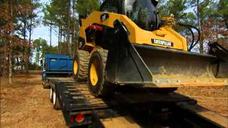 Cat® Skid Steer and Compact Track Loader Safety & Operating Tips: Part 7 - Machine Transport