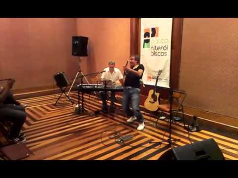Palco Niterói Discos com Marvio Ciribelli e Sérgio Chiavazzoli