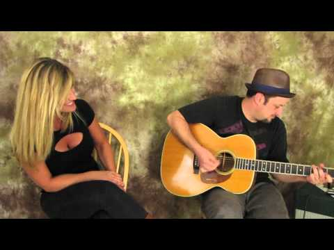 Tracy Chapman - Give me one reason to stay here - cover by marty and alley