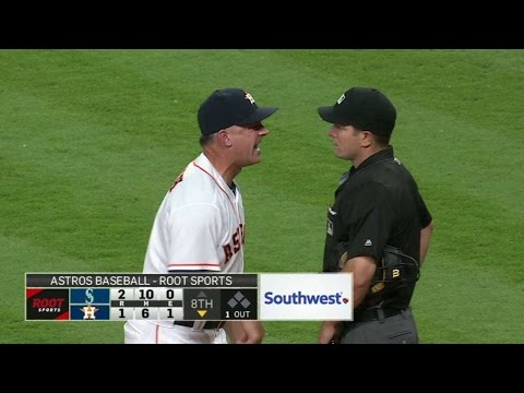 SE@HOU: Hinch ejected for arguing balls and strikes