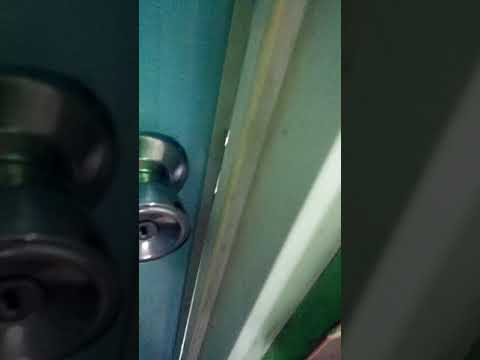 Ngintip pembantu mandi thumbnail