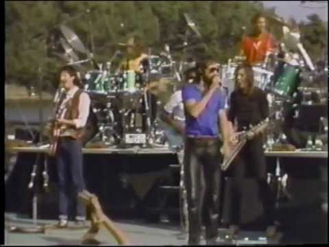 The Doobie Brothers  Listen To The Music   81