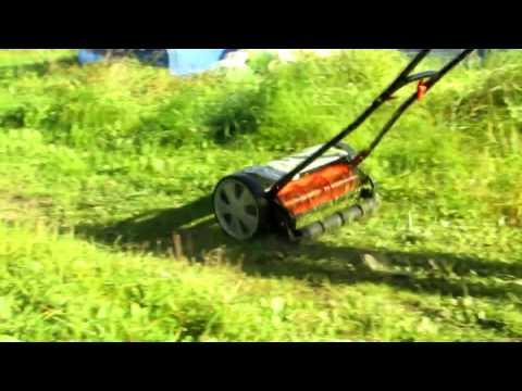 Как работает ручная газонокосилка видео