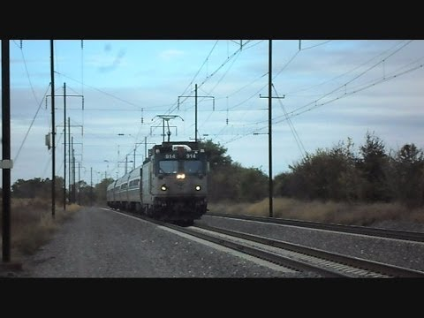 Amtrak Trains Fly Through Amish Country Lancaster Pennsylvania
