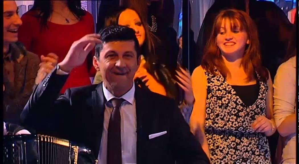 Zlata Petrovic - Mirises na nju (LIVE) - PZD - (TV Grand 23.03.2016.)