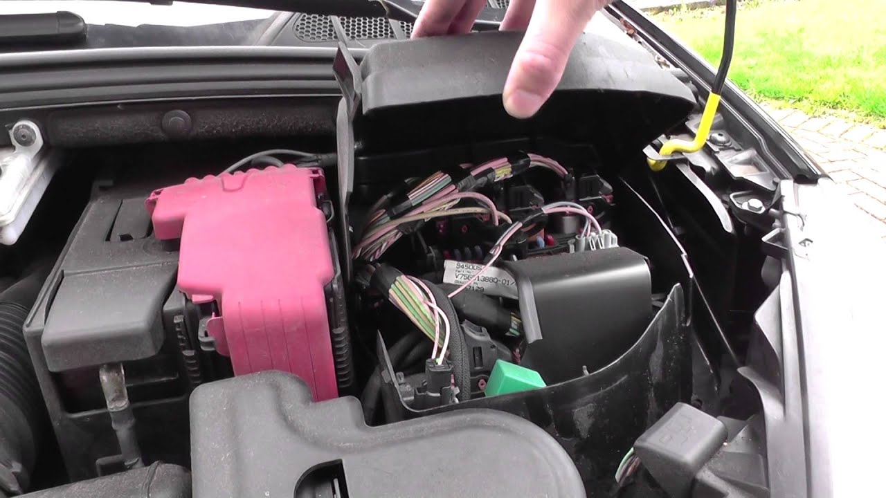 hight resolution of peugeot 308 fuse box location video