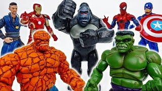 Hulk And The Thing, Don't Fight And Play Together~! - ToyMart TV