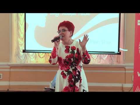 Певица Татьяна Потапова на празднике \
