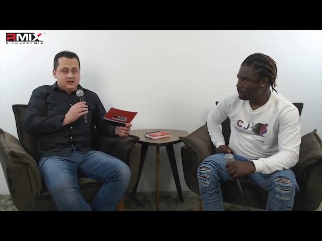 Cantor haitiano conta a sua história no Riomafa Mix