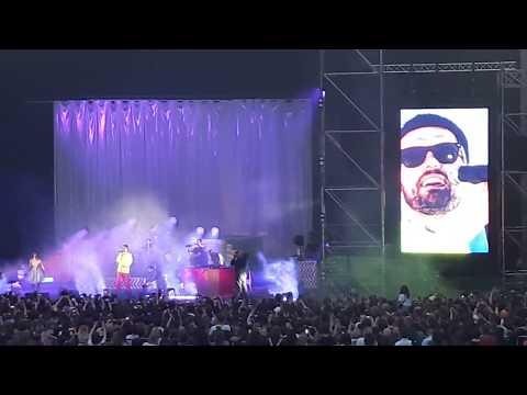 Монеточка Ft Noize MC - Люди с автоматами (live на День рождения Монеточки)