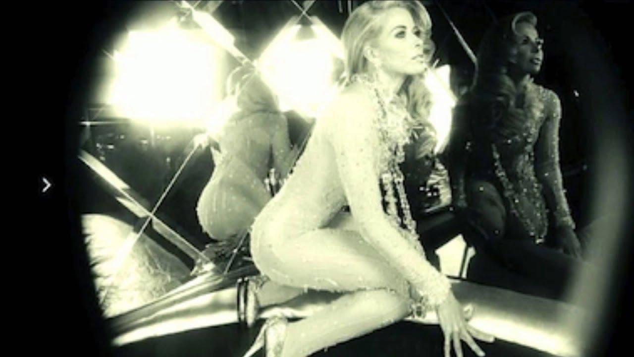 Jennifer aniston hot bikini
