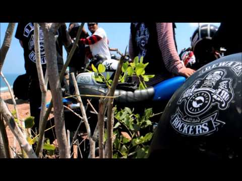Cafe Racer Bali - Raising the flag for 70th independent day of indonesia