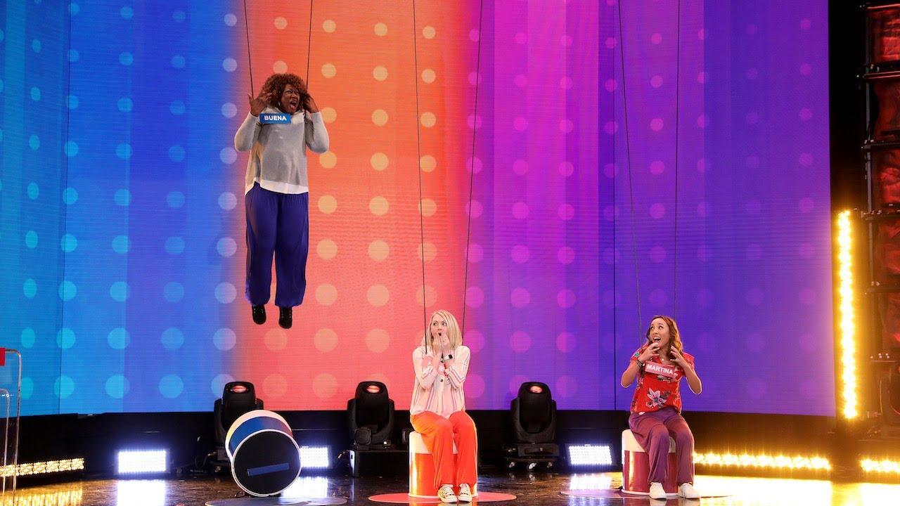 Fans Go Flying in 'Liar Liar Pants Go Higher'