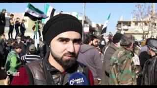 مظاهرة  في بلدة سرمدا بإدلب تدعو الفصائل العسكرية للإندماج الكامل