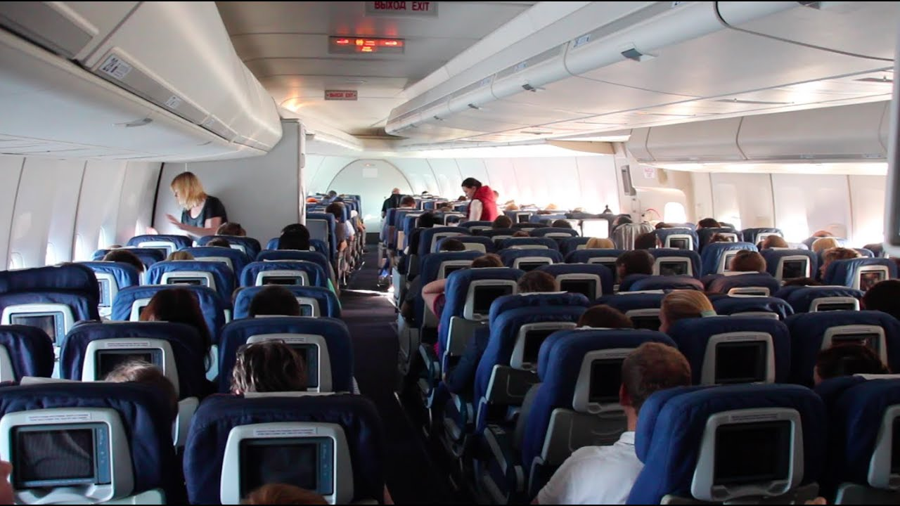 Flight report rossiya 39 s first boeing 747 moscow for Interieur 747 corsair
