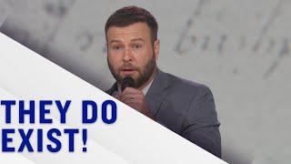Not The White House Correspondents' Dinner: Conservative Comedian Zam Larson (Taran Killam) | TBS