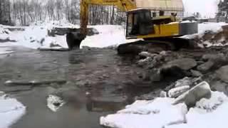 Зимняя рыбалка экскаватором FURUKAWA(было как то и так рыбу ловили Очистка углубление строительство озер ставков каналов водохранилищ рек прудо..., 2014-01-31T23:28:02.000Z)
