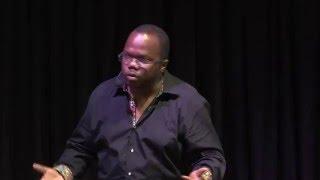 Ecrire en langue dominée | Thierry MALO | TEDxPointeaPitre