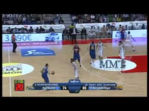 Real Madrid  vs Barcelona Regal  4th quarter Jasikevicious allowed to shoot after screen