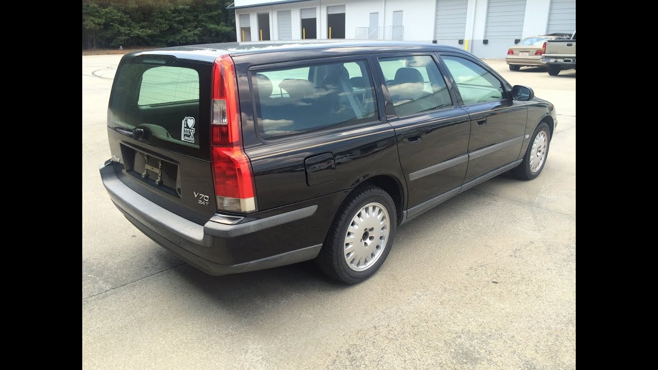parting out 2001 volvo v70 wagon 2 4t auto with 3rd row seat youtube. Black Bedroom Furniture Sets. Home Design Ideas