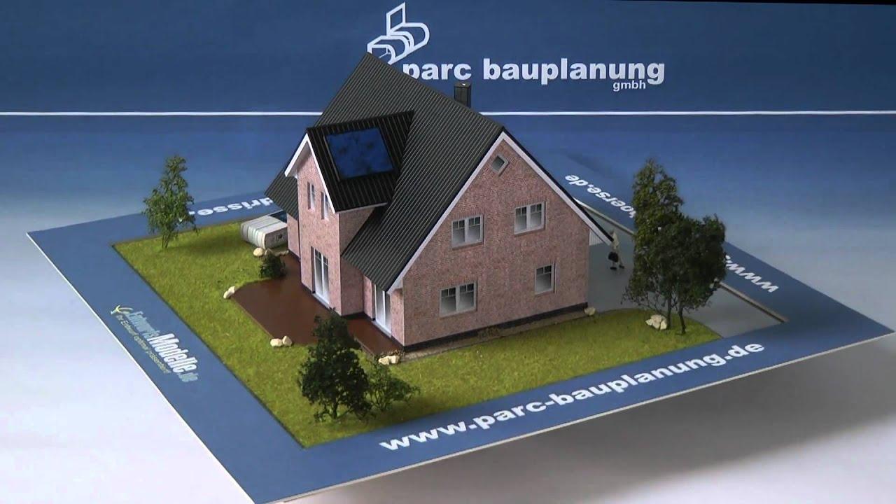 Einfamilienhaus mit herrenhausgiebel parc bauplanung for Parc bauplanung