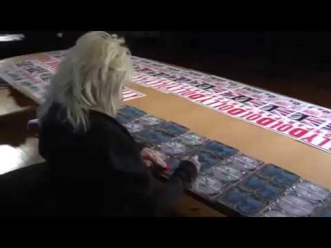 Dolly Parton Signing CDs & Hatch Print Posters