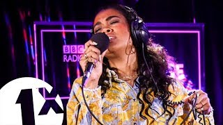 Amber Mark - Weak (SWV cover) in the 1Xtra Live Lounge