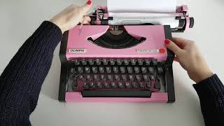 Tony's Typewriters - Olympia Traveller De Luxe