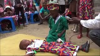Scénette des enfants de l'école maternelle HPP-Congo de Selembao